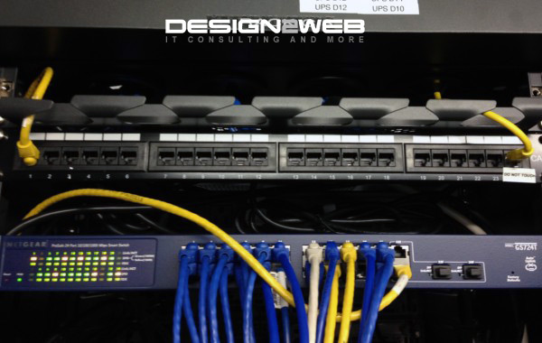Design2Web Data Center Netgear GS724T Gigabit Switch